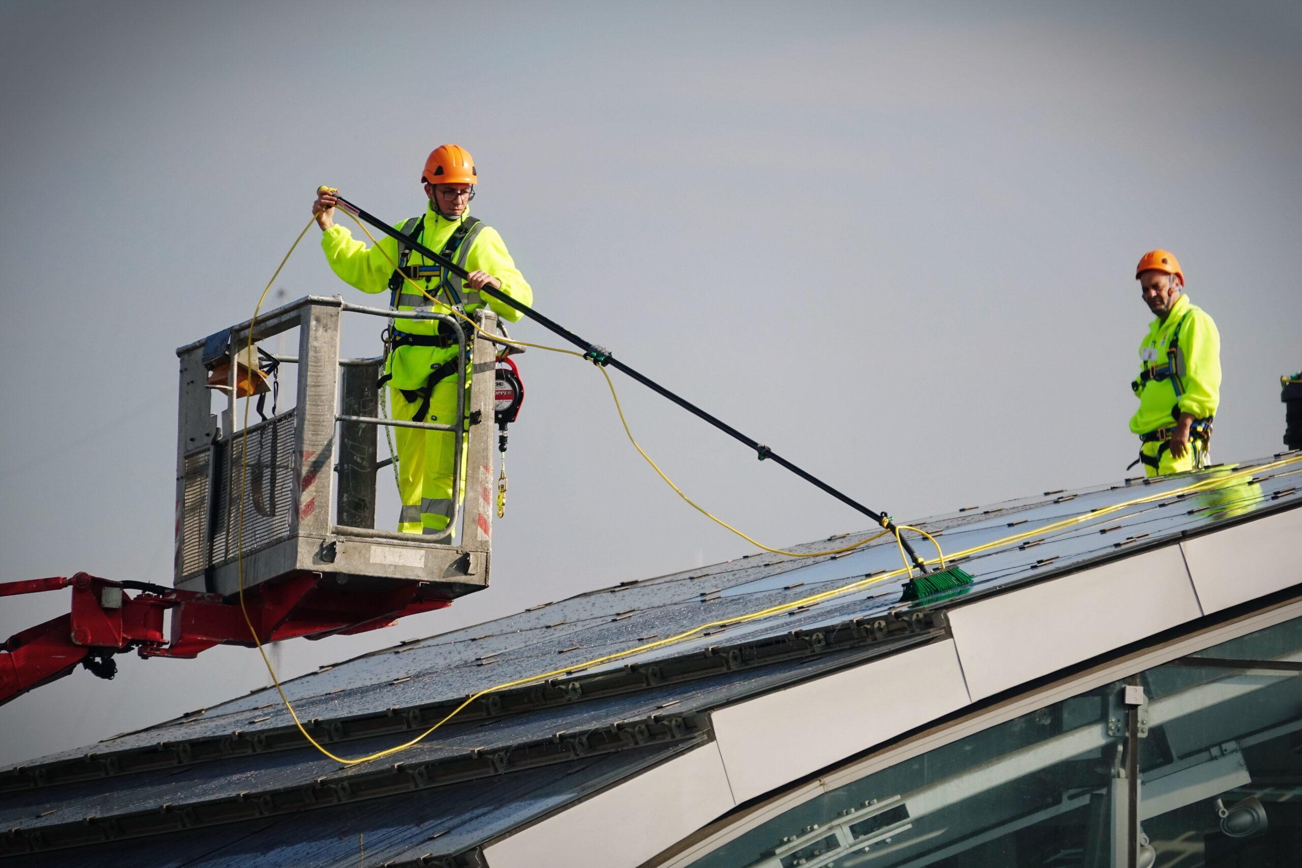 http://operaio-pulizia-fotovoltaico
